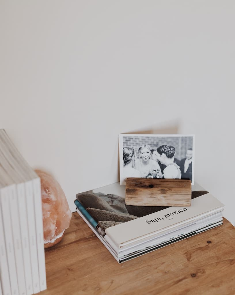 unique ways to display travel photos